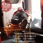 В Киеве из окна многоэжтажки выпал парень