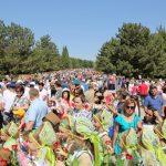 Слезы, «Катюша» и красный флаг: как в Ташкенте прошел «Бессмертный полк» (фото)